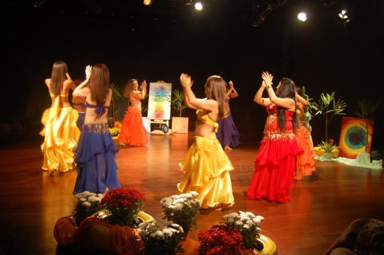 Imagem Dança Espetáculo Artes em Cores – Savador - Bahia.